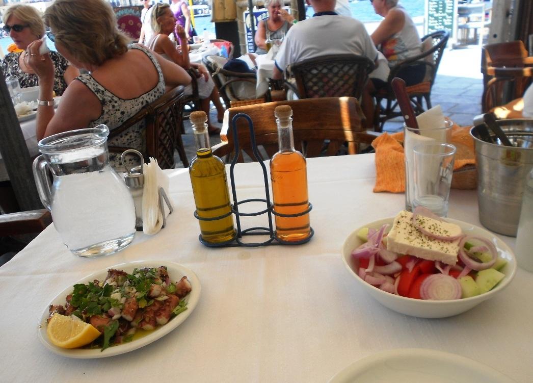 Image result for ελαιόλαδου στα τραπέζια ταβερνών και εστιατορίων