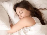 Πώς θα βελτιώσετε τον ύπνο σας για να αισθάνεστε πιο ξεκούραστη