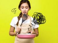 Μαγειρική: 10 επικίνδυνα λάθη για την υγεία που κάνουμε στην κουζίνα