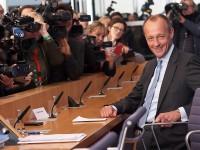 Ο επικρατέστερος διάδοχος της Μέρκε βγάζει περίπου 1 εκατ. ευρώ τον χρόνο