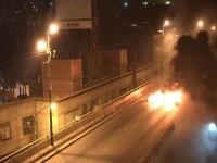 Ενα βήμα πριν τον εμφύλιο στη Βενεζουέλα: Χάος με πυροβολισμούς, 16 νεκροί