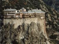 Πρώτο κρούσμα κορονοϊού στο Άγιο Όρος - Μοναχός νοσηλεύεται στο ΑΧΕΠΑ