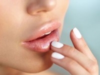 Homemade lip balm για ενυδατωμένα χείλη όλο το καλοκαιρι