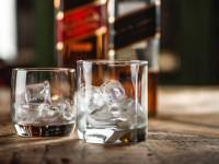 Τέλος το κλασικό γυάλινο μπουκάλι για το Johnnie Walker – Σε χάρτινα μπουκάλια από το 2021