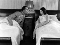 Η νέα τάση στα κρεβάτια που έγινε μόδα και λειτουργεί ευεργετικά για τις σχέσεις