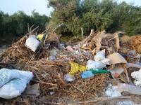Μια απίστευτη χωματερή στα Χανιά (φωτο)