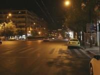 Αθήνα, έρημη πόλη: Φωτογραφίες από την πρώτη νύχτα της απαγόρευσης κυκλοφορίας