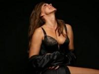 Η Ελίνα Κέφη βρίσκει την απόλυτη θηλυκότητα της και «ρίχνει» το διαδίκτυο