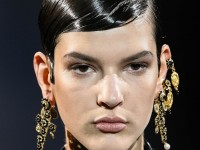 DIY μάσκα για λαμπερά μαλλιά με έλαιο αβοκάντο