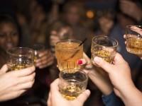 Κολπική μαρμαρυγή: Το αθώο ποτό που κάνει την καρδιά να «φτερουγίζει»