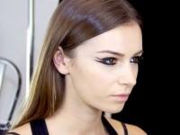 Διπλό eyeliner: Η νέα τάση στο μακιγιάζ το 2021