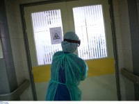 Γαλλία: Μείωση του αριθμού των νοσηλευομένων σε ΜΕΘ