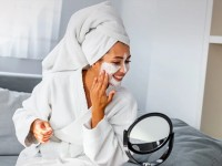 Σπιτικές μάσκες ομορφιάς για ενυδάτωση και λάμψη