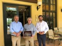 Επίσκεψη του δημάρχου του Τάρπον Σπρινγκς της Φλόριντα στο Ιστορικό Καφέ «Κήπος» στα Χανιά