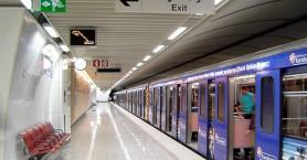 Απεγκλωβίστηκε γυναίκα που έπεσε στις γραμμές του Μετρό στη Δάφνη