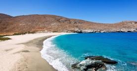 Ακέφαλο πτώμα ξεβράστηκε σε παραλία της Άνδρου