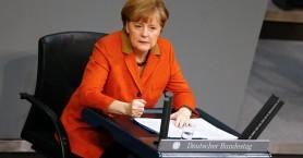 Το σκάνδαλο κατασκοπείας έριξε τη δημοτικότητα της Μέρκελ