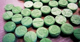 Χειροπέδες σε δύο για ναρκωτικά χάπια στο Ηράκλειο