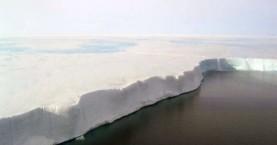 Γιγάντια πλάκα πάγου έτοιμη να καταρρεύσει στην Ανταρκτική