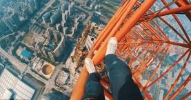 Σκαρφάλωσαν στην κορυφή του δεύτερου ψηλότερου κτηρίου στον κόσμο (βίντεο)