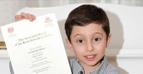 Παιδί-θαύμα: 11χρονος που πήρε πτυχίο Πανεπιστημίου!
