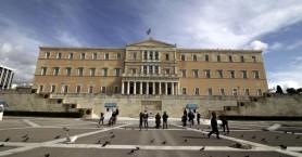 Αλληλοκατηγορίες στη Βουλή για τα έργα των προηγούμενων κυβερνήσεων