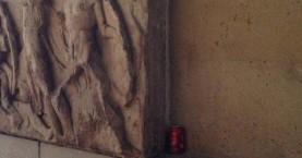 Φωτογραφία: Κουτάκι αναψυκτικού πάνω στα Μάρμαρα του Παρθενώνα!