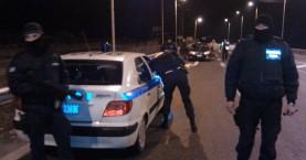 Με κροτίδες στο αυτοκίνητο και Καλάσνικοφ στο σπίτι συνελήφθη 18χρονος
