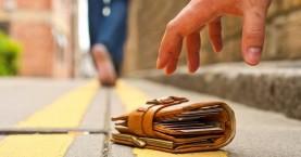 Χανιώτης βρήκε 7.500 ευρώ και τα παρέδωσε στην αστυνομία