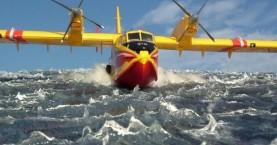 Εκπληκτικό βίντεο με πλάνα μέσα από ένα πυροσβεστικό Canadair