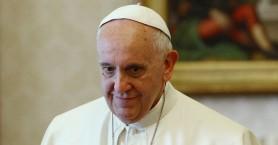 Ο λόγος που ο πάπας Φραγκίσκος βάπτισε Νιγηριανό πρώην παράτυπο μετανάστη