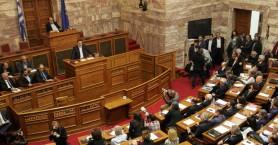 Δραματικοί τόνοι και τελεσίγραφο από τον Τσίπρα στους βουλευτές του