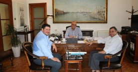 Στο Δημαρχείο Χανίων ο πρόεδρος της ΕΣΕΕ Β.Κορκίδης