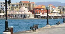 Αλλάζουν τα φωτιστικά στο λιμάνι των Χανίων – Σκούριασαν πριν την ώρα τους!