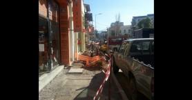 Στην οδ Αποκορώνου στα Χανιά μαγαζάτορες και πεζοί