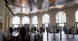 Τα έκαναν γυαλιά καρφιά και στον σταθμό του μετρό στο Μοναστηράκι