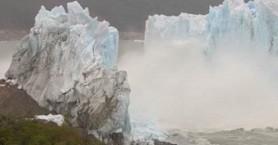 Κατάρρευση «γέφυρας» παγετώνα on camera