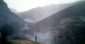 Συνεχίζεται η  φωτιά στο Σφηνάρι Κισάμου (βίντεο + φωτο)