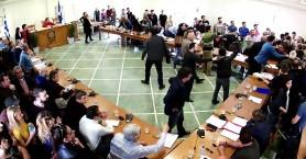 Έκτροπα στο δημοτικό συμβούλιο Χανίων -