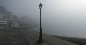 Πόλη βγαλμένη σαν από θρίλερ - Ομίχλη σκέπασε την Ιεράπετρα (φωτο)