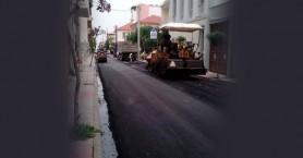 Εργασίες ασφαλτόστρωσης σε οδούς της πόλης των Χανίων