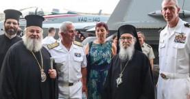 Ξενάγηση ιεραρχών στο αεροπλανοφόρο Χάρυ Τρούμαν (φωτο)