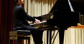 Ο καταξιωμένος πιανίστας Άρης Γραικούσης σ' ένα υπέροχο ρεσιτάλ στο Ρέθυμνο