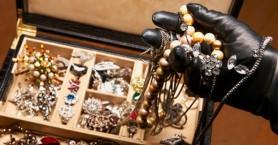 Βρήκαν τα κλεμμένα κοσμήματα σε βιτρίνα χρυσοχοείου!