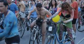 Γυμνοί ποδηλάτες «πλημμύρισαν» την Θεσσαλονίκη!