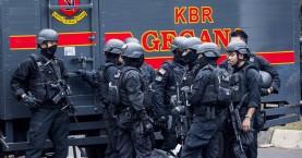 Ινδονησία: Ανατινάχτηκε μπροστά από αστυνομικό σταθμό