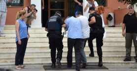 Πέταξαν όπλα & ηλεκτρονικό εξοπλισμό πριν έρθουν στην Ελλάδα οι Τουρκοι