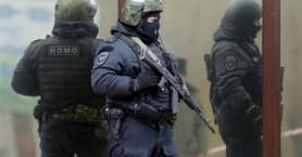 Ομηρεία σε τράπεζα στη Μόσχα, «επιχειρηματίας με χρέη ο δράστης»