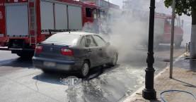 Πυρκαγια σε αυτοκίνητο ενώ ήταν εν κινήσει στα Χανιά (φωτο)