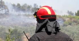 Πυρκαγιά προκάλεσε ζημιές σε κοντέινερ και αποθήκη στην Αγυιά